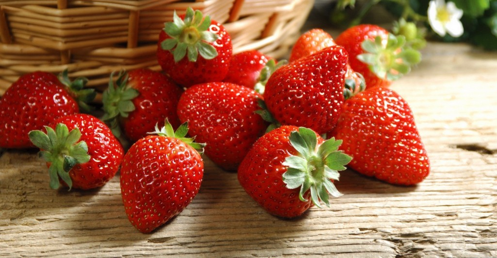 Grow-Your-Own-Antioxidants-Strawberries